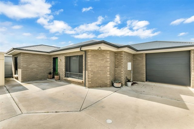 16 Lillian St, Findon SA 5023
