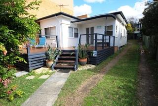 Mandys Memorial Avenue South West Rocks NSW 2431