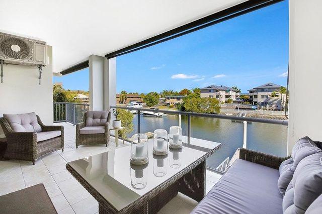 6/18 Canal Avenue, Runaway Bay QLD 4216