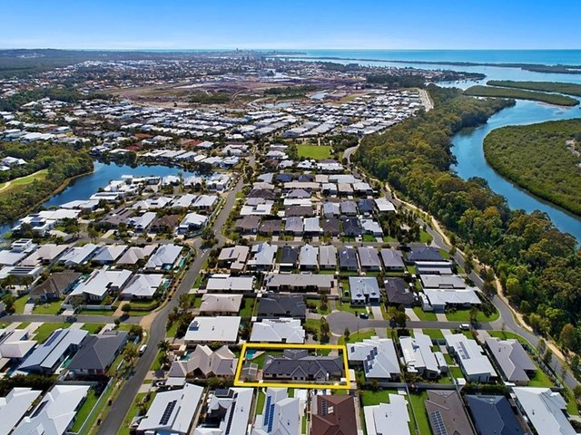 9 Leonie Court, Pelican Waters QLD 4551