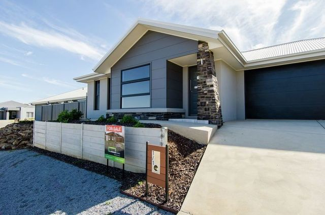 Home 2/Lot 40 Warrock Place, Bourkelands NSW 2650