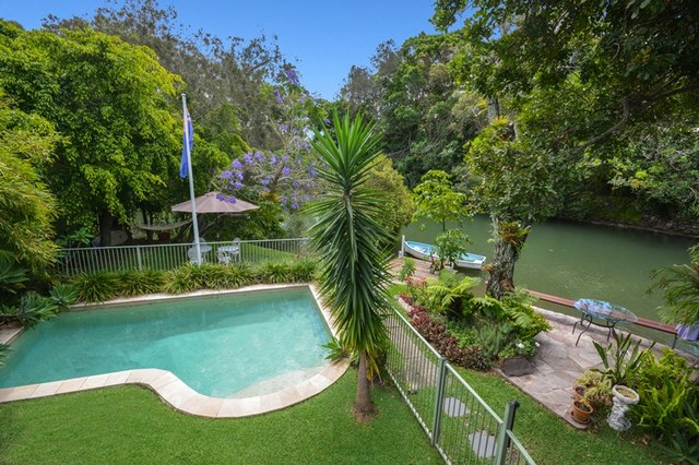 8 Sandy Court, Southport QLD 4215