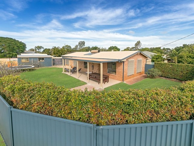 1 Moatah Drive, Beachmere QLD 4510