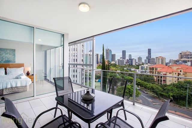 82 O'Connell Street, Kangaroo Point QLD 4169