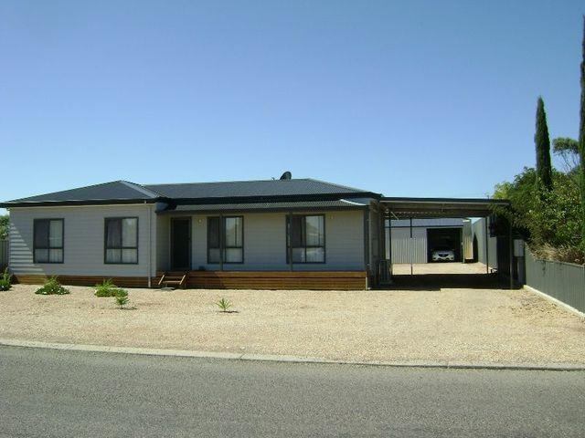 29 Wellington Rd, Cowell SA 5602
