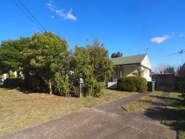 19 Salamaua Crescent, NSW 2173