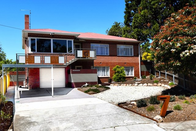 7 Wendover Place, New Town TAS 7008