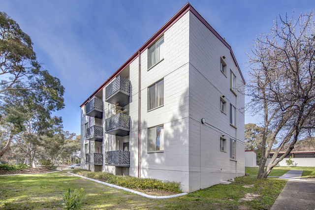 1/78 Hodgson Crescent, Pearce ACT 2607