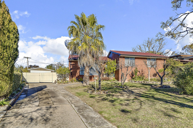31 Lawrence Close, Macgregor ACT 2615
