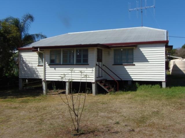 6 Munro Street, Goomeri QLD 4601