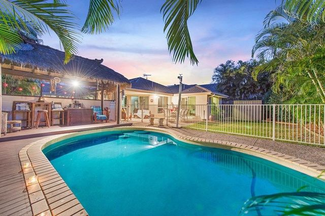 1 Springwood Avenue, Pacific Pines QLD 4211