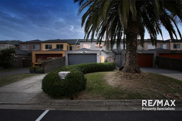 8 Inner Harbour Drive, Patterson Lakes VIC 3197