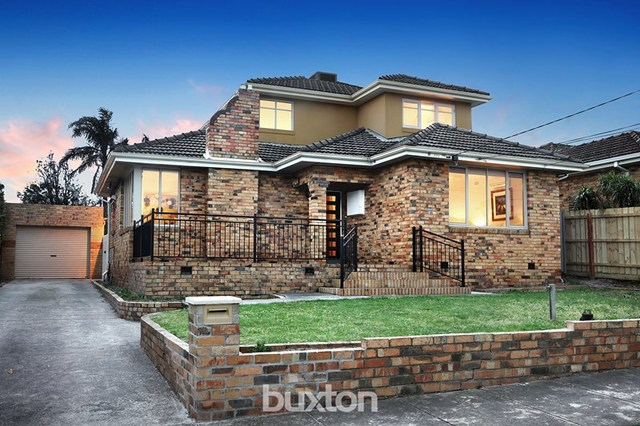 11 Parkmore Road, Bentleigh East VIC 3165