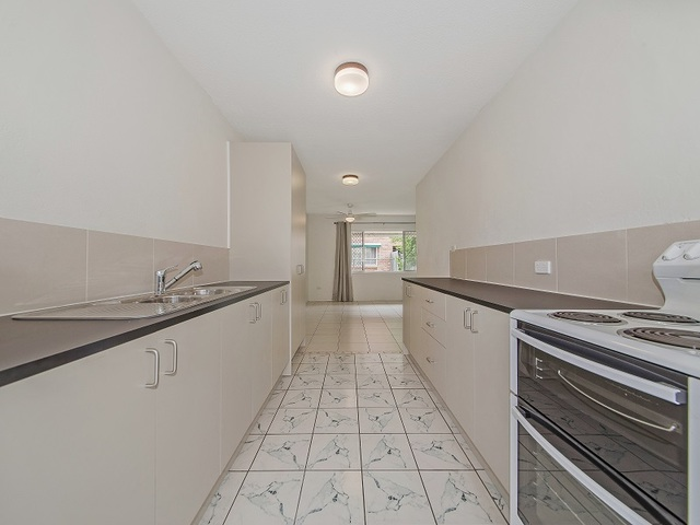 2/42 Ronald, Wynnum QLD 4178