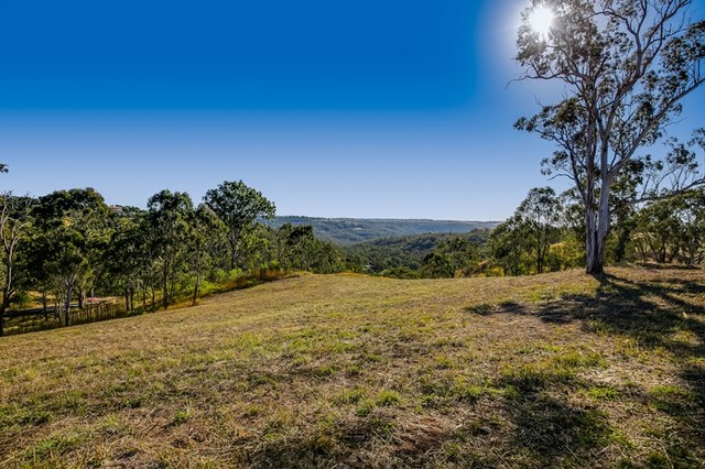 10 Keira Court, Blue Mountain Heights QLD 4350