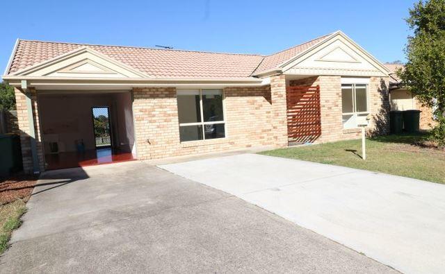 9 Park Close, Hillcrest QLD 4118
