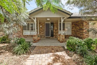 4 Oxley Place