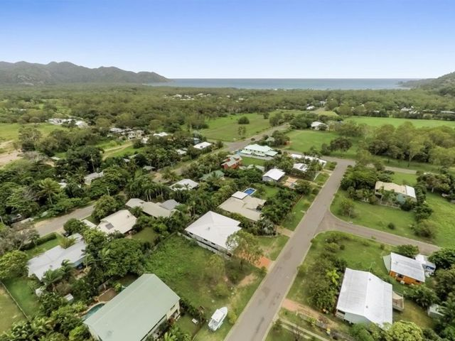 13 Somerset Street, Horseshoe Bay QLD 4819