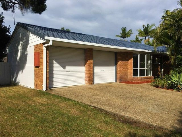 35 Staydar Cres, Meadowbrook QLD 4131