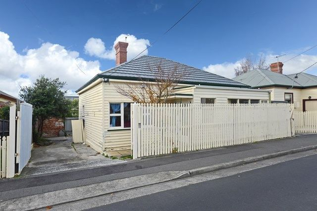 13 Grosvenor Street, Sandy Bay TAS 7005