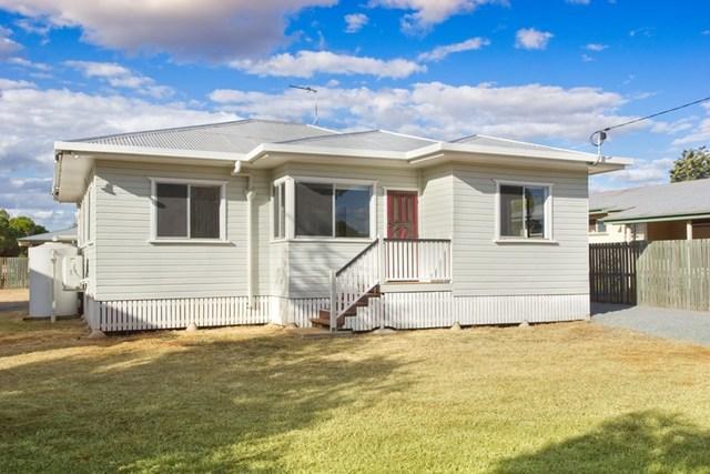 13 Toowoomba Road, Oakey QLD 4401