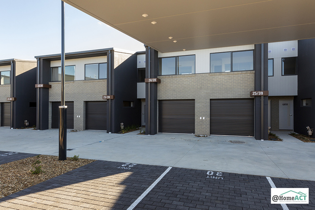 24/39 Woodberry Avenue, Coombs ACT 2611