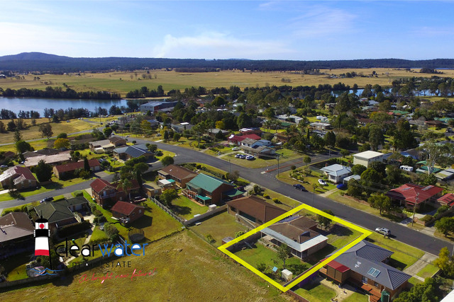 19 Hawdon St, Moruya NSW 2537