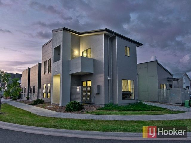 22 Blue Mountains Crescent, QLD 4018