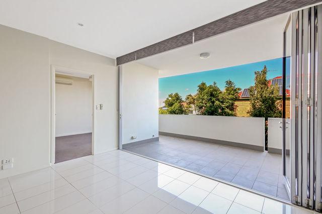 7/64 Barton Road, Hawthorne QLD 4171
