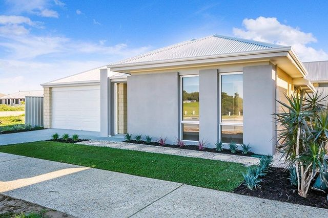 Real estate for sale in golden bay wa 6174 allhomes 54 aurea boulevard golden bay wa 6174 malvernweather Images