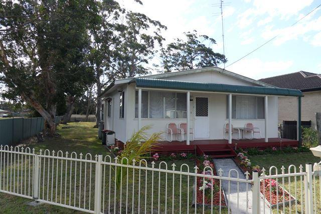 1 Ellmoos Avenue, Sussex Inlet NSW 2540