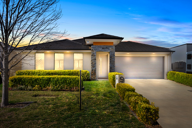 9 Loma Rudduck Street, Forde ACT 2914