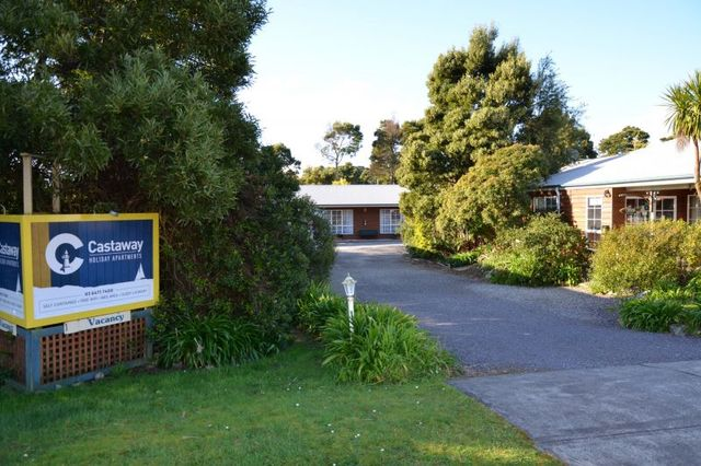 12 Harvey Street Castaway Holiday Apartments, TAS 7468