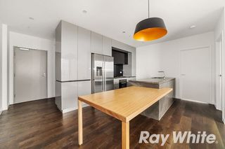503/5 Sovereign Point Court