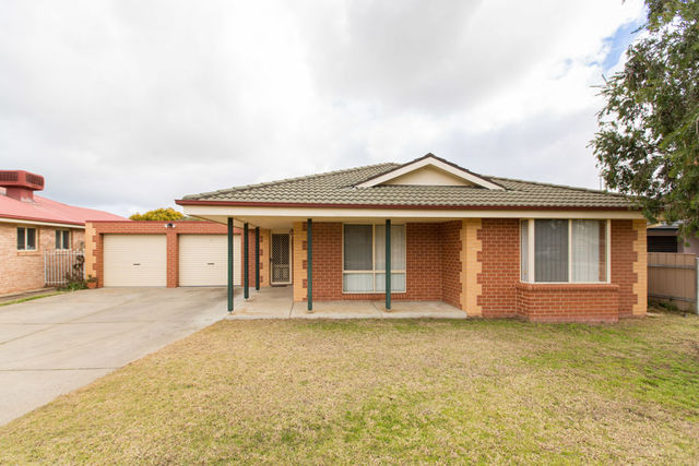 84 Veale Street, Ashmont NSW 2650