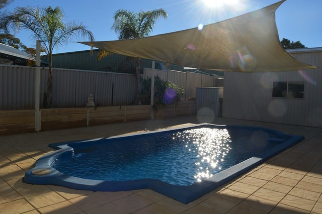 17 Gregory St, Roxby Downs SA 5725