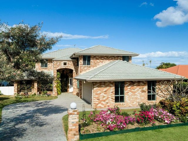 42 Clive Road, Birkdale QLD 4159