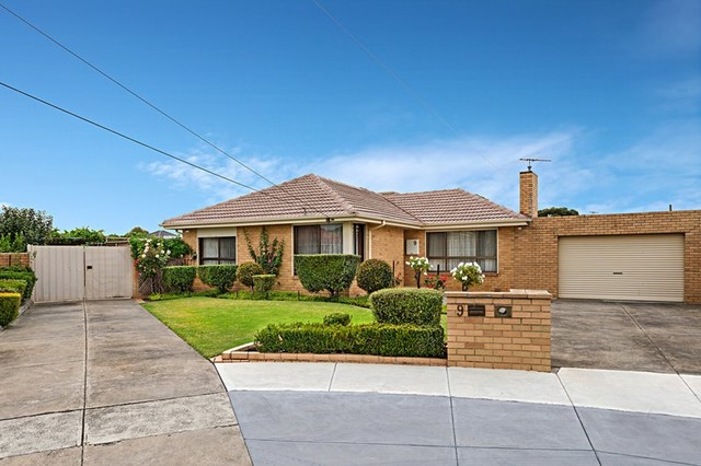 9 Norfolk Court, Fawkner VIC 3060