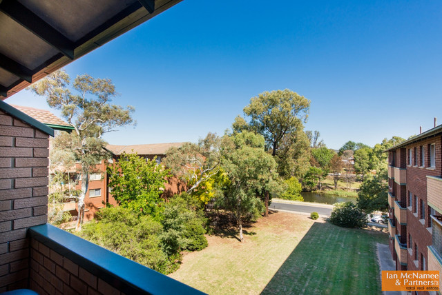 18/30 Trinculo Place, Queanbeyan NSW 2620