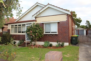 11 Hermitage Rd