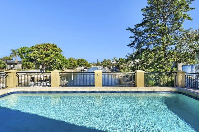 68 T E Peters Drive, Broadbeach Waters QLD 4218