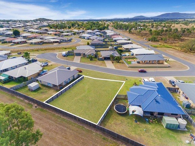 5 Press Court, Gracemere QLD 4702