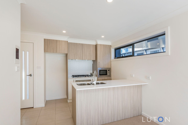 63/39 Woodberry Avenue, Coombs ACT 2611