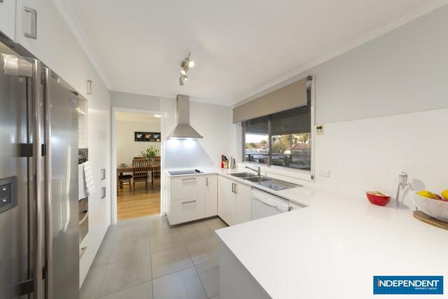 7 Meyers Place, Macgregor ACT 2615