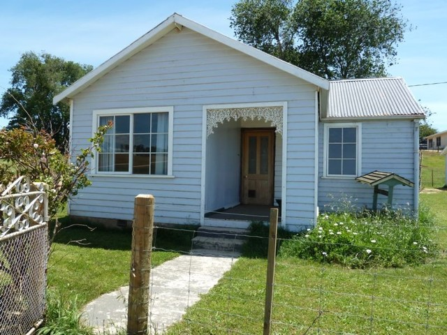 * Ferny Hill Road, Bridport TAS 7262