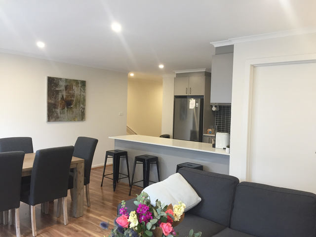 3/2 Ken Tribe Street, Coombs ACT 2611