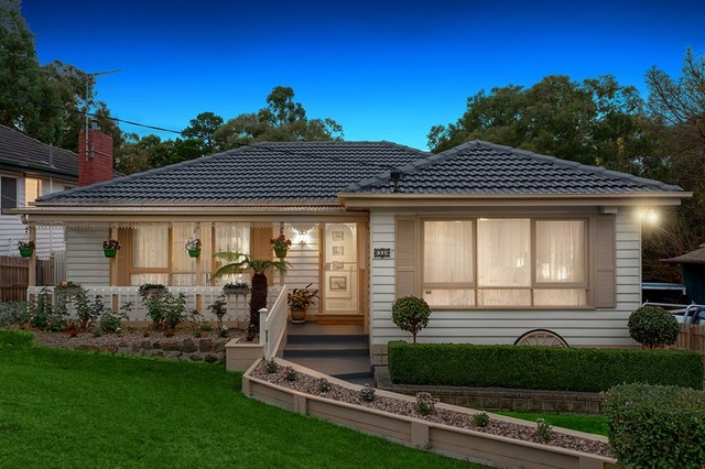33 Louis  Street, Greensborough VIC 3088