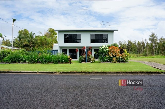 1-3/117 Taylor Street, Tully Heads QLD 4854