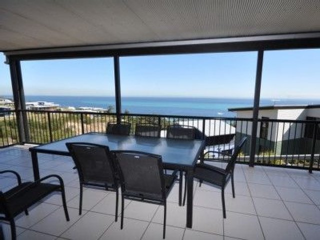 5 Romosus Cres, Tangalooma QLD 4025