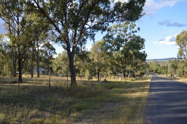 12 Brown Court, QLD 4341